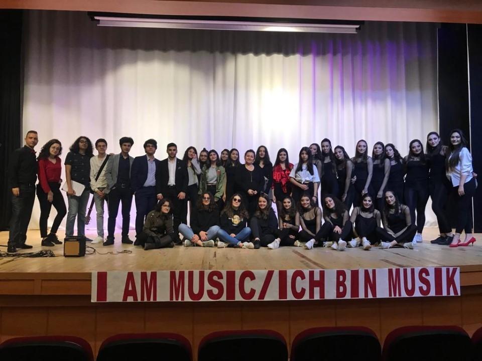 ÖZEL ÇAĞ FEN / ANADOLU LİSESİ ÖĞRENCİLERİ I AM MUSIC / ICH BIN MUSIK ETKİNLİĞİNDEYDİ